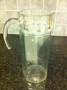 Fynd_Åttkantig tillbringare i glas