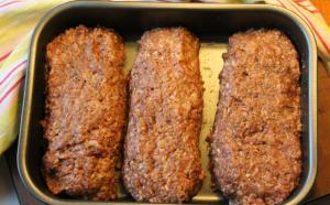 Den här gången gjorde jag dubbel sats och fick tre fina köttfärslimpor. Perfekt att frysa in.